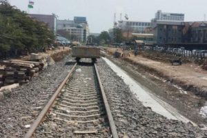 A track from Aranyaprathet station in Sa Kaeo province to the border with Cambodia in Poipet is being refurbished by the State Railway of Thailand.